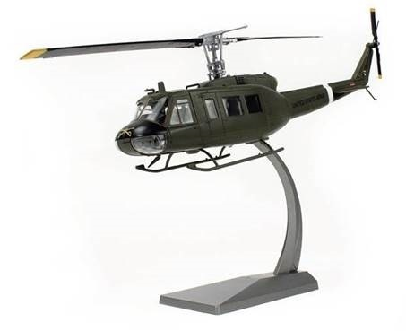 UH-1H Huey, US Army 101st Airborne Div, 17th Cavalry  1:48